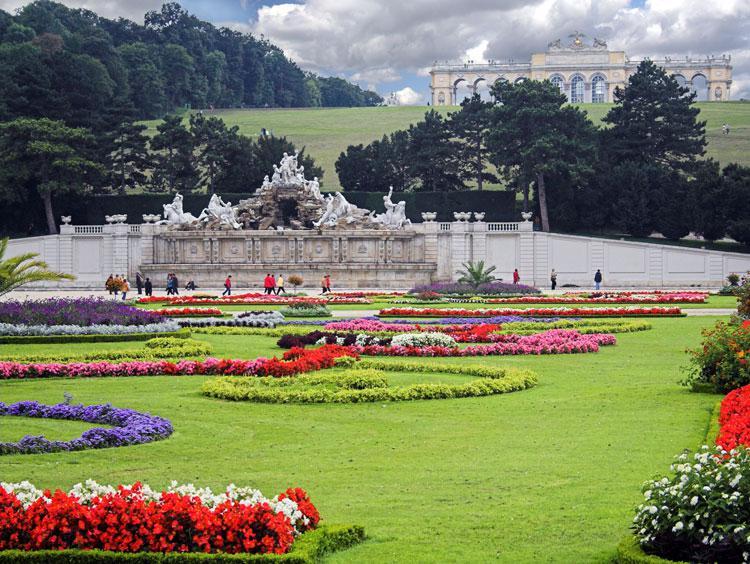 [Image: Vienna-schonbrun-gardens.jpg]